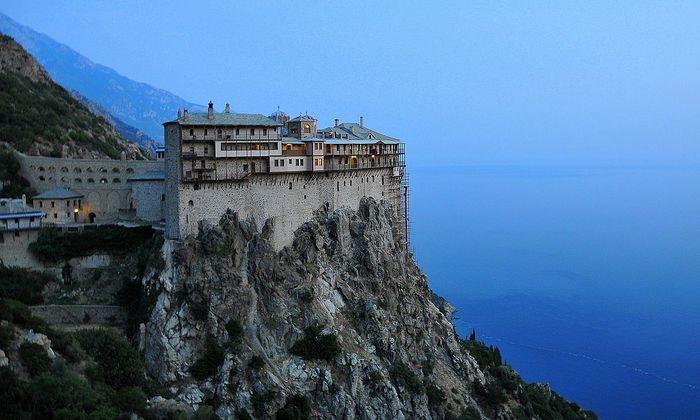 Simonospetras Monastery is a contemporary of Pochaev Lavra, younger than Kiev. Photo: sott.net
