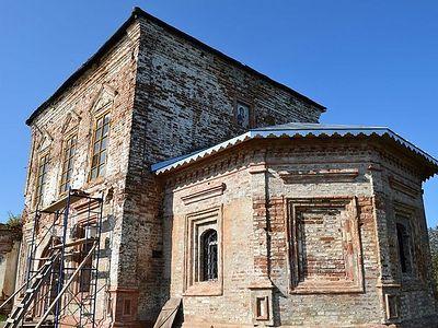 В деревне Морозовица Великоустюгского района восстанавливают Спасский храм