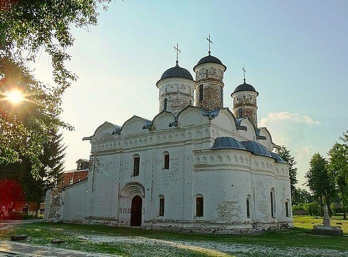 Ризоположенский храм Покровского женского монастыря
