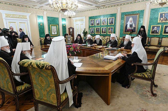 Священный Синод выразил поддержку канонической Украинской Православной Церкви