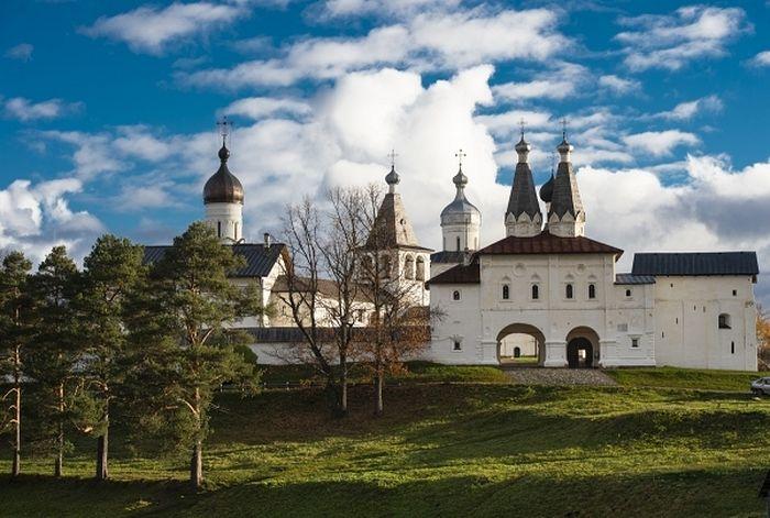 В соборе Рождества Богородицы Ферапонтова монастыря завершены работы по сохранению монументальной живописи ХVI века