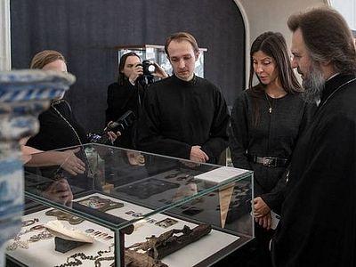 В музее Московской духовной академии открылась выставка «Поклоняемся погребению Твоему и восстанию»