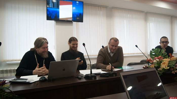 Митрополит Псковский Тихон и студенты ПсковГУ обсудили перспективы совместных проектов