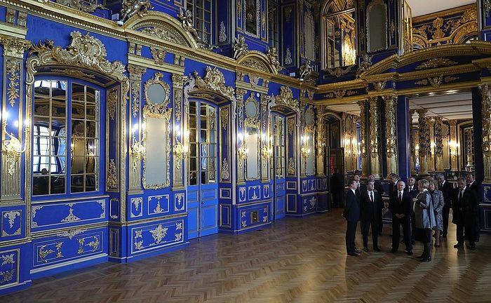 Владимир Путин и члены Совбеза России посетили отреставрированную церковь Воскресения Христова Екатерининского дворца