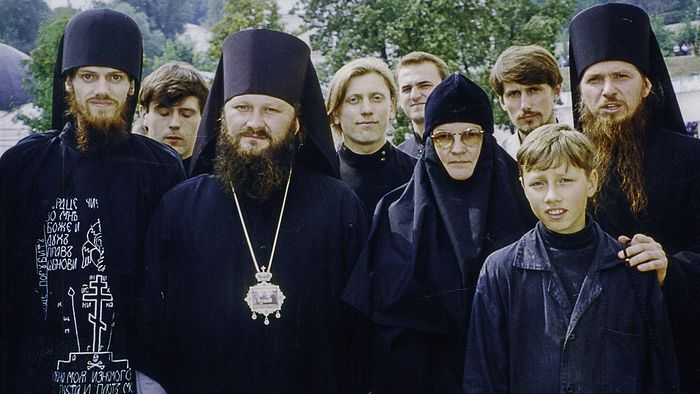 Abbot of the Kiev Caves Lavra Metropolitan Pavel and Schema-Archdeacon Stephen (left).