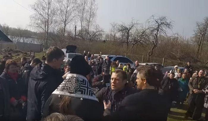 Служитель ПЦУ совершил попытку нападения на архиерея Винницкой епархии