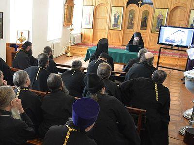Специалисты в сфере охраны культурного наследия выступили перед духовенством Шадринской епархии