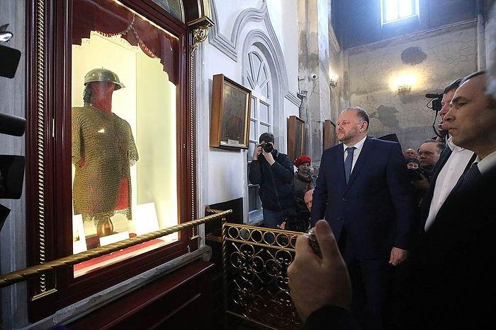 Через 90 лет в Далматовский монастырь вернулись доспехи его основателя