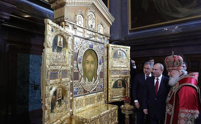 Владимир Путин поздравил верующих в Воскресением Христовым