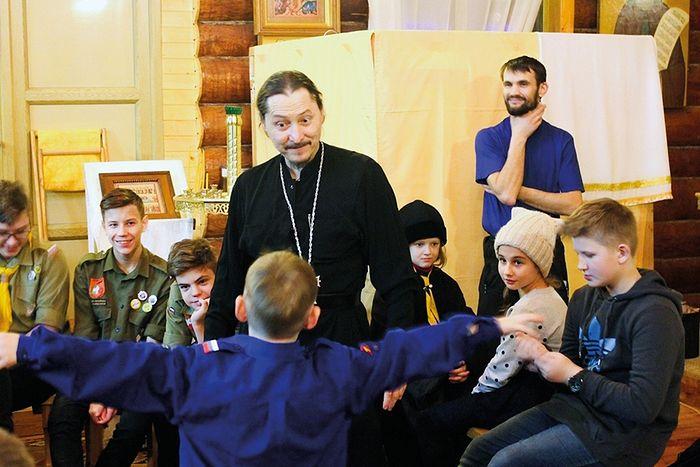 Игумен Петр (Мажетов) со своими воспитанниками