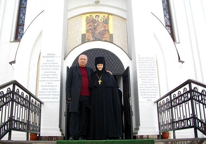 Создатели монастыря ,,Всецарица,, - иг. Неонилла и сын ее, врач-онколог и ктитор обители Юрий Дудик
