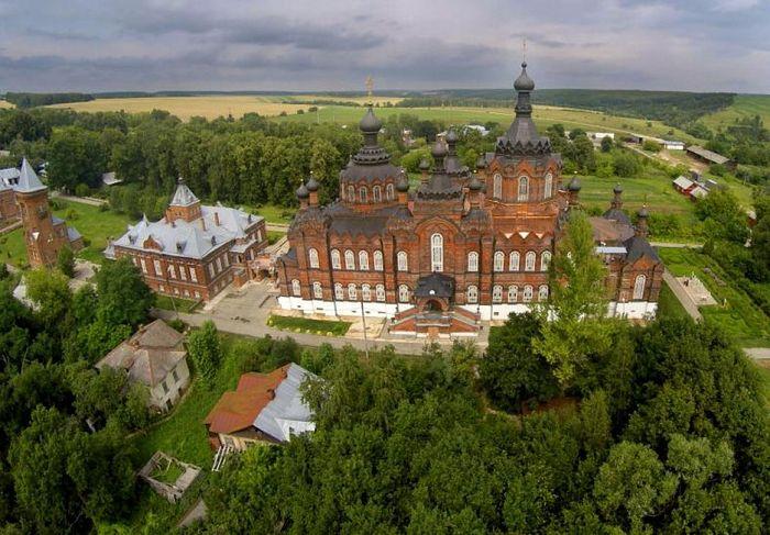 Kazan-St. Ambrose Pustyn, Shamordino