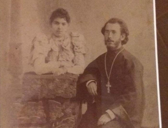 Отец Николай Добровольский с матушкой Марией. 1906 г.
