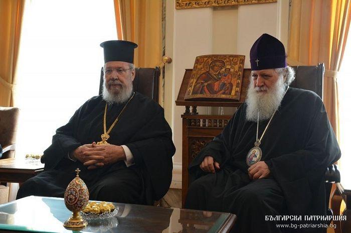 Abp. Chrysostomos (left), Pat. Neofit (right). Photo: bg-patriarshia.bg