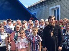 Верующие УПЦ записали видеообращение к Президенту Украины с просьбой защитить их от рейдеров