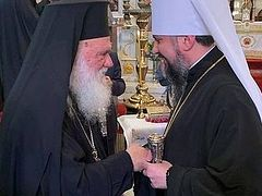 Archbishop of Greece meets Ukrainian schismatic primate in Istanbul