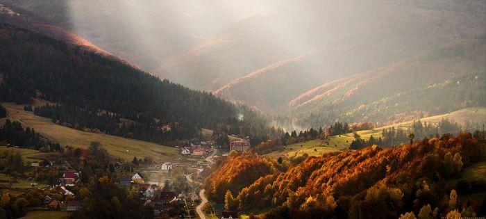 The Village of Pylypets, Photo by: Vlad Sokolovsky, https://vladsokolovsky.livejournal.com/22965.html