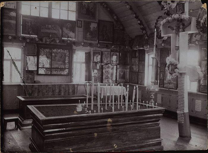 Интерьер первой часовни, 1905-1912 гг.