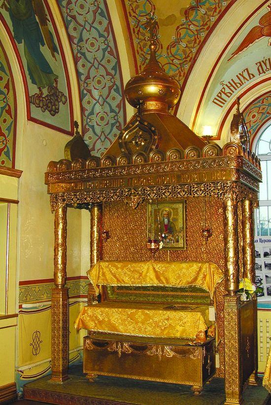 Рака с мощами святого праведного Павла Таганрогского