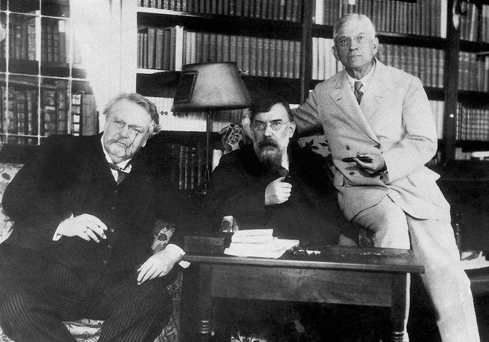 Гилберт Честертон (слева), Джордж Уильям Рассел и Уильям Лайон Фелпс, 1931 год. Фото: www.globallookpress.com