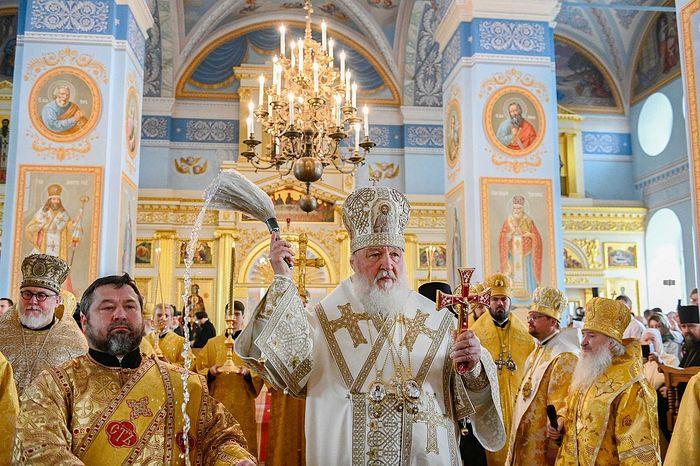 Предстоятель Русской Церкви освятил собор Рождества Пресвятой Богородицы Коневского монастыря