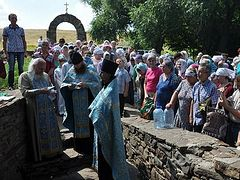 Cross processions held in honor of All Belarusian Saints in Belarus and 300-year-old holy spring in Ukraine (+ VIDEOS)