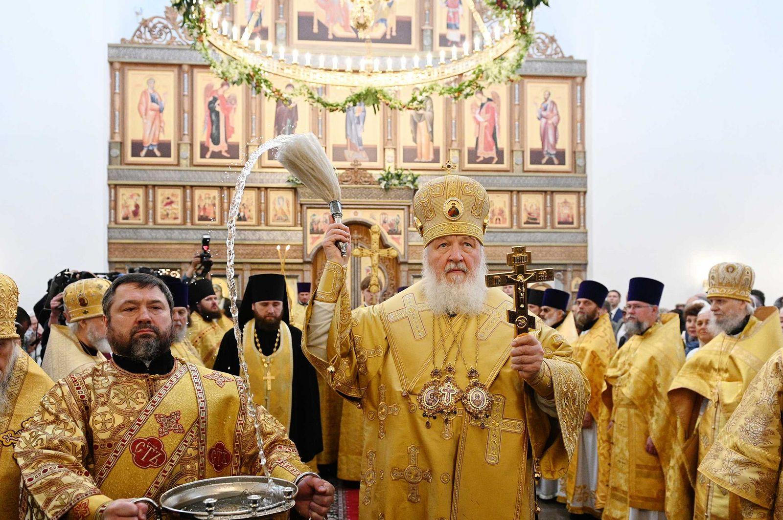В день памяти первоверховных апостолов Петра и Павла Святейший Патриарх Кирилл освятил московский храм праведного Алексия Мечева в Вешняках