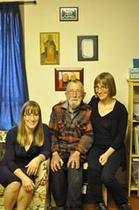 Dr. Edward Hartley and his daughters Andrea and Maria. Photo: orthodoxcanada.ca
