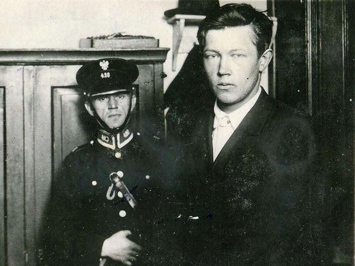 Допрос Бориса Коверды на Варшавском вокзале после убийства Войкова