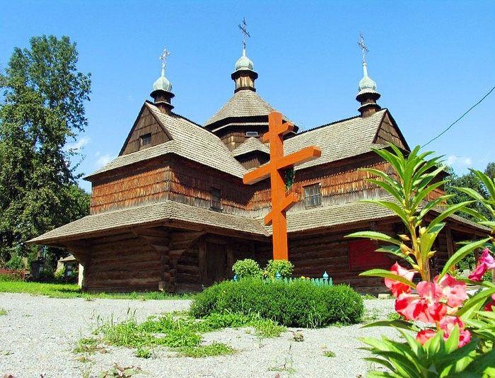 Annunciation Church. Photo: Ukranietrek