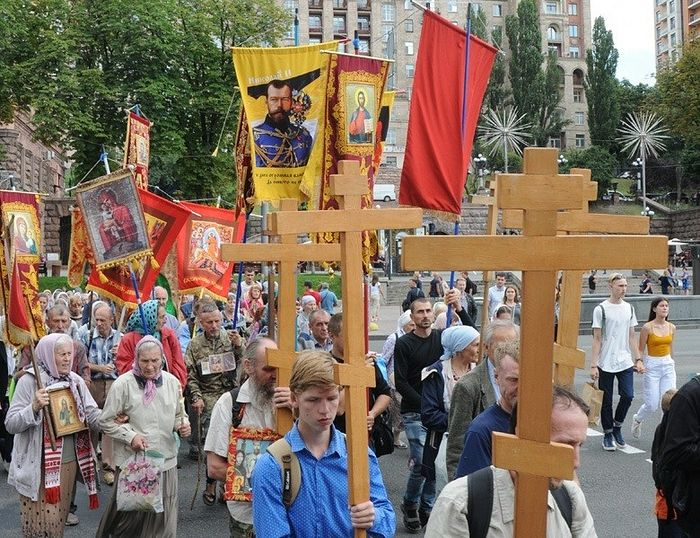 Литија на дан спомена на царске страстотрпце на Мајдану независности. Фото – Сергеј Фрич