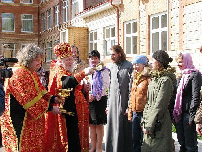 Водосвятный молебен во время съемок фильма «Щенок»