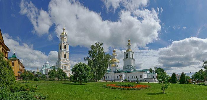 Панорама монастыря с западной стороны