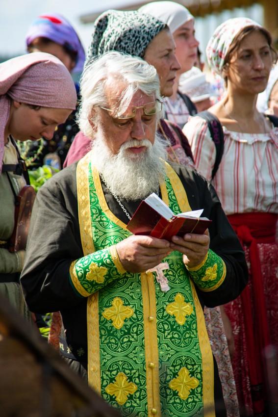 Священник Владимир Мартышин