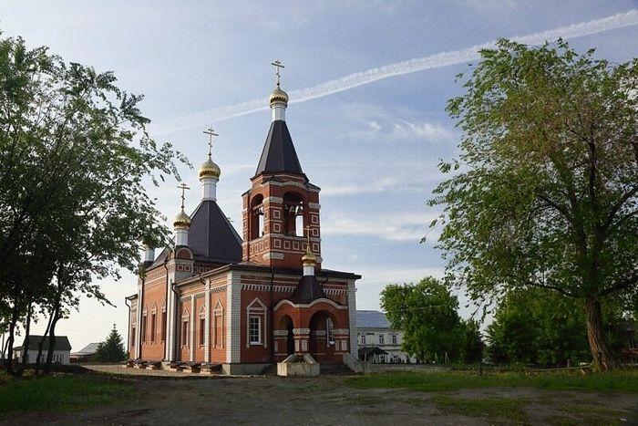 Заново отстроенный храм Владимирского монастыря