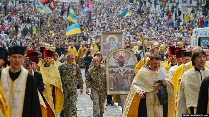 The Philaret-Poroshenko method failed, and now the schismatics are pushing Philaret out.