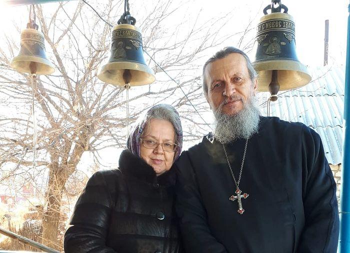 Священник Петр и Мария Чоляриди