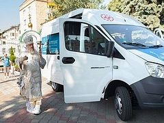 "Belarusian Church launches first ""bus of mercy"" in Brest"