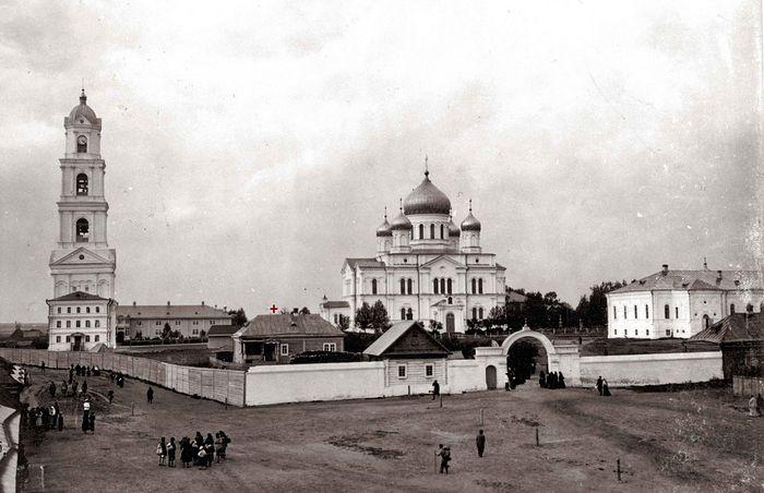 Панорама Дивеевского монастыря. Фото нач. ХХ в.