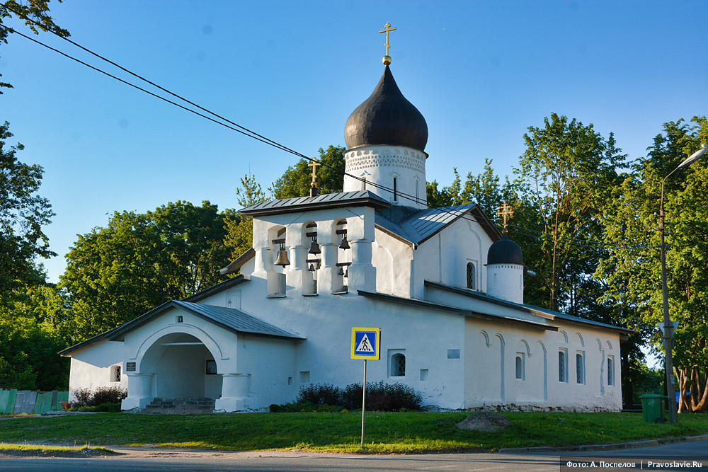 Церковь Воскресения Христова со Стадища