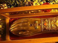 Ευωδίαζαν τα λείψανα του Αγίου Νεκταρίου κατά την ανακομιδή τους το 1953