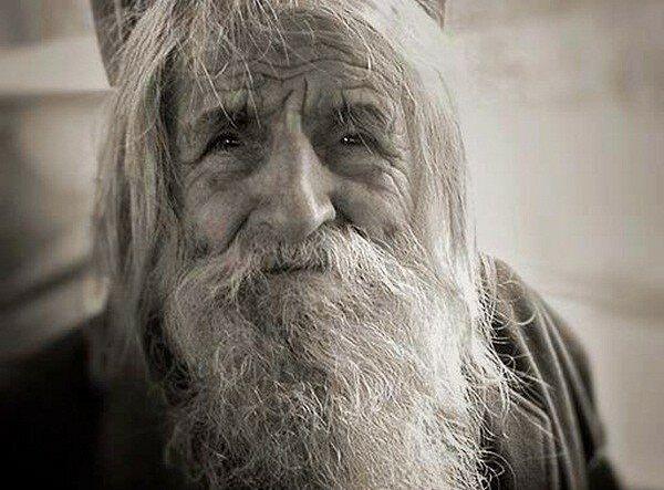 The holy beggar of Sofia, Elder Dobri Dobrev. Photo: yandex.net
