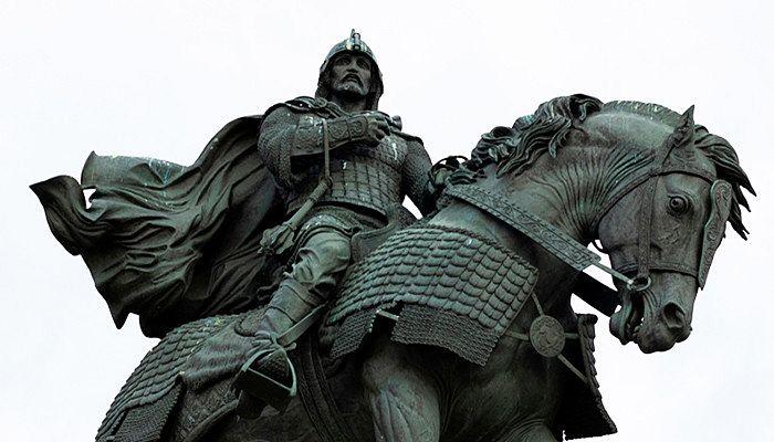 Памятник Дмитрию Донскому. Фото: Andrianova Tanya / Shutterstock.com
