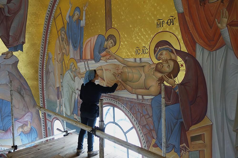 Снятие со Креста. Работа над росписью