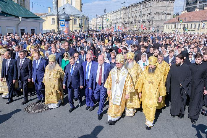 В Санкт-Петербурге прошли торжества по случаю праздника перенесения мощей благоверного князя Александра Невского