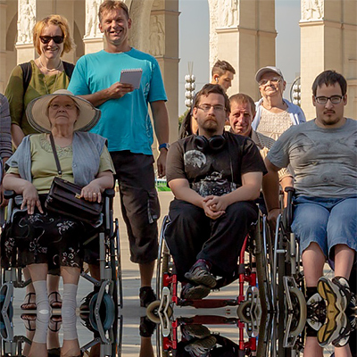К преподобному Сергию на «Инватакси»,<br>или Как помочь паломникам-колясочникам