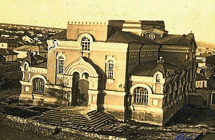 """1930 год. Перед открытием кинотеатра """"Безбожник"""""""