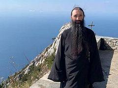 Μητρ. Βαρσανούφιος μίλησε στους μοναχούς του Άθωνα για δίωξη πιστών της UOC