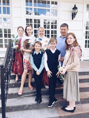Семья Постоваловых