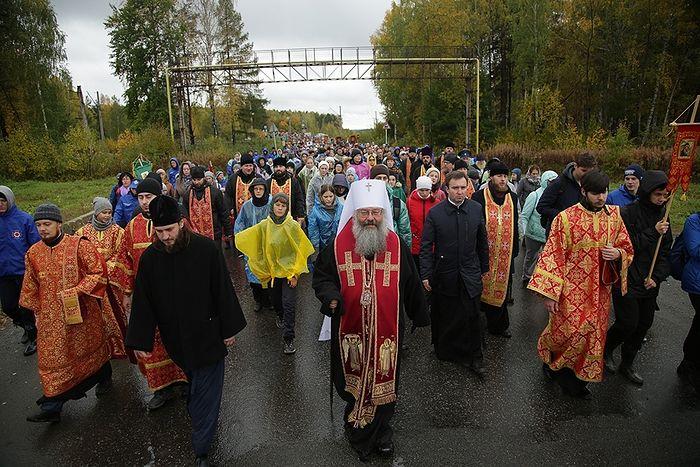 В Екатеринбурге состоялся традиционный «детский» крестный ход